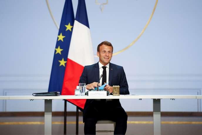 Emmanuel Macron, lors d'une rencontre à l'Elysée avec les partenaires sociaux, le 4 juin.