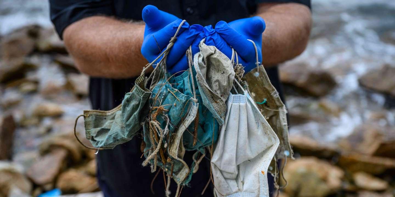 La France a commandé 2 milliards de masques jetables, et maintenant se pose la question de leur pollution