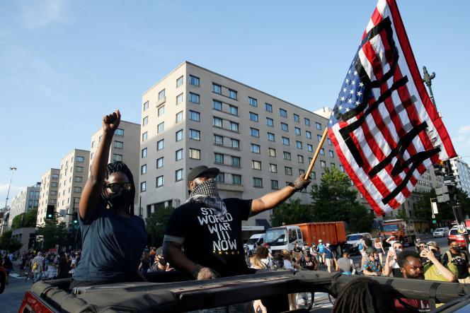 Manifestation après la mort de George Floyd près de la Maison Blanche, à Washington, le 6 juin.