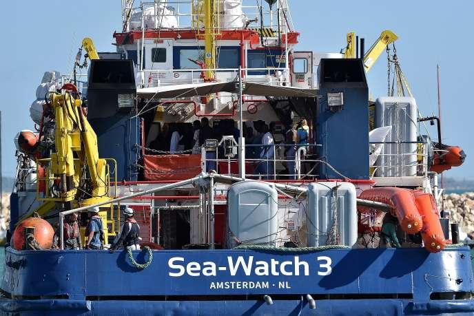 Le « Sea-Watch 3» est le premier bateau à avoir repris la mer. Il a quitté le 8juin le port sicilien de Messine, après trois mois d'immobilisation.