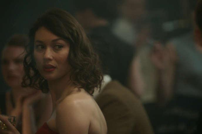 Olga Kurylenko interprète Alice dans la série télévisée «Romance».