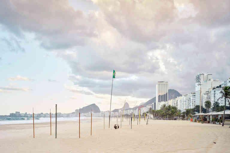 Rio de Janeiro 24-31 mai 2020. Les 4 kilomètres de la plage de Copacabana depuis son extrêmité gauche