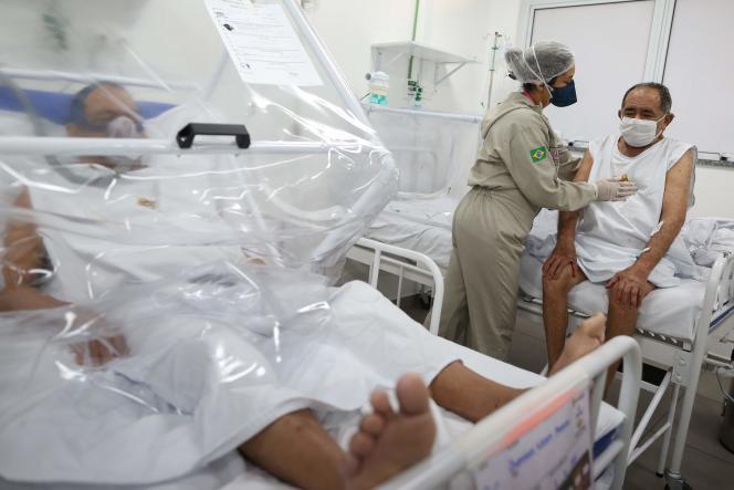 A l'hôpital municipalGilberto Novaes de Manaus, au Brésil, le 8 juin.