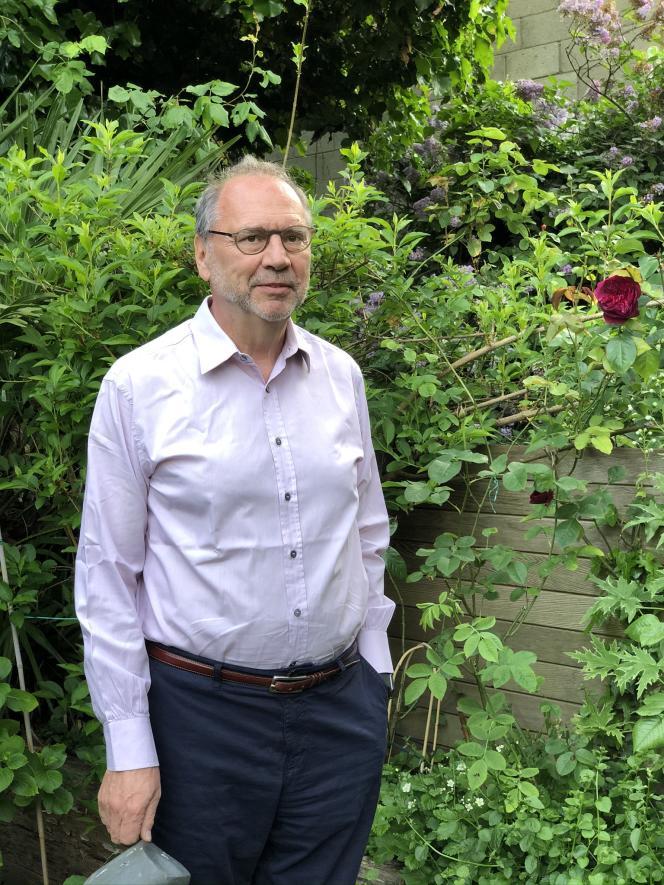 Peter Piot, chez lui, à Londres, le 8 mai.