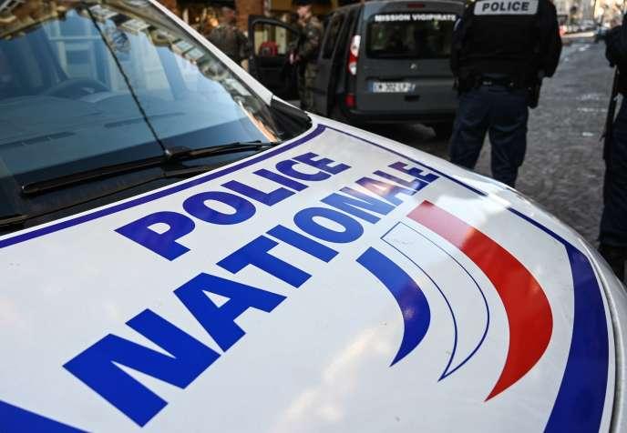 Des policiers,à Lille, le 7 juin.