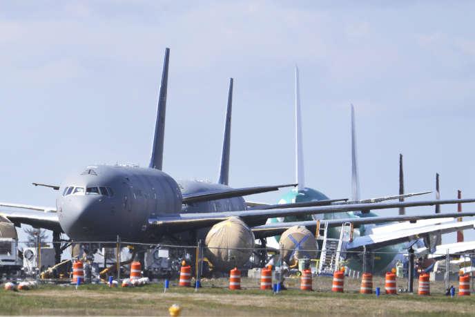 Des avions-citernes de l'US Air Force en construction par Boeing sont stationnés à l'aéroport de Paine Field à Everett (Etat de Washington), le7 avril.