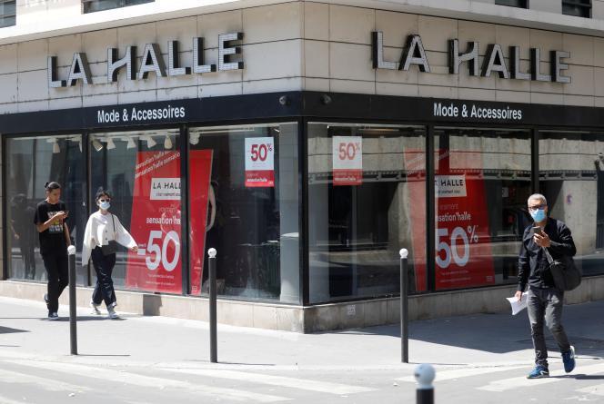 Un magasin de l'enseigne La Halle (groupe Vivarte), à Paris, le 27 mai.