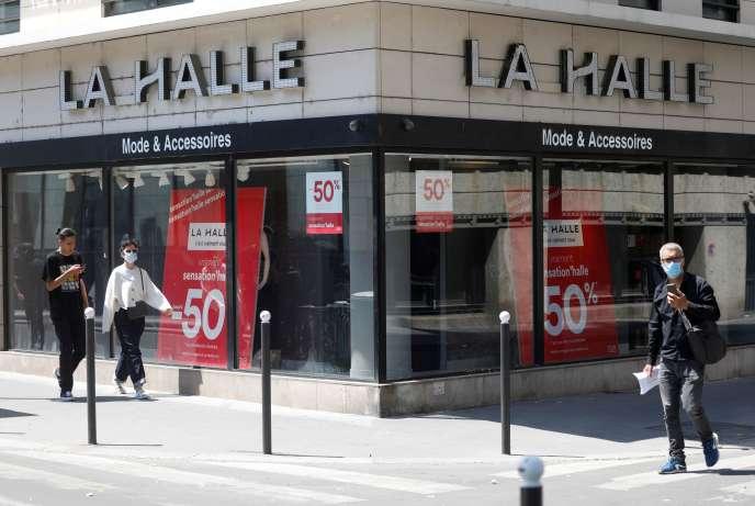 Un magasin de La Halle à Paris, le 27 mai 2020.