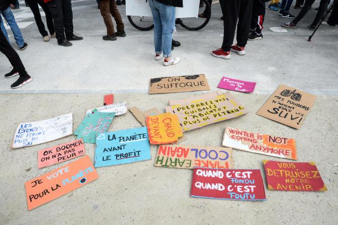 Lors d'une marche pour le climat à Bordeaux, le 14 mars.