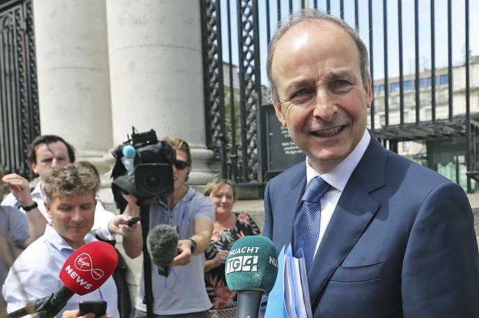 Le chef de file du Fianna Fail, Micheal Martin, lors d'une conférence de presse, le 15 juin 2020 à Dublin.