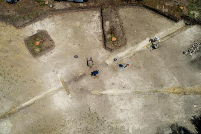 Vue aérienne des fouilles préventives sur le site du «grand camp» de César à Orcet (Puy-de-Dôme).