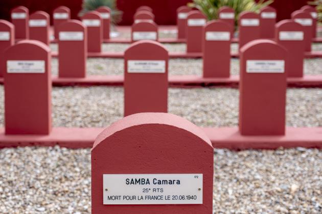 Tata sénégalais, nécropole nationale où sont inhumés 188 tirailleurs originaires d'Afrique de l'Ouest, massacrés le 20 juin 1940.Chasselay, le 15 juin.