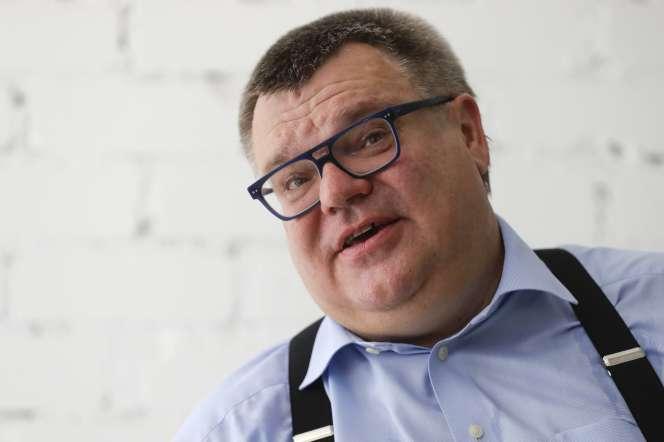 Viktor Babaryko, ancien directeur de Belgazprombank, tient une conférence de presse à Minsk, le 11 juin.