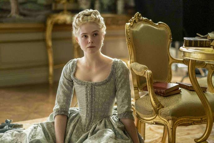 Elle Fanning incarne la jeune Catherine II de Russie dans la série « The Great».