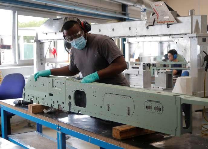 Dans une usine du groupe Rafaut, à Villeneuve-la-Garenne, près de Paris, le 17 juin.