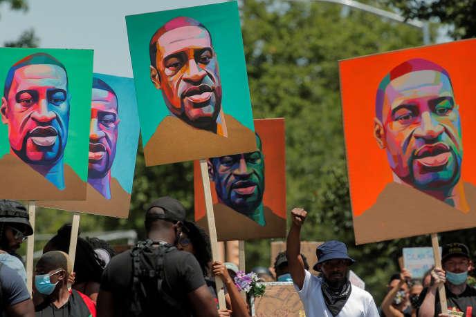 Manifestation, le 16 juin 2020, après la mort de George Floyd, à New York. La ville abrite le siège de l'Organisation des Nations unies.