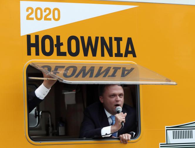 Szymon Holownia, candidat à l'élection présidentielle polonaise, à Vasovie, le 17 juin.