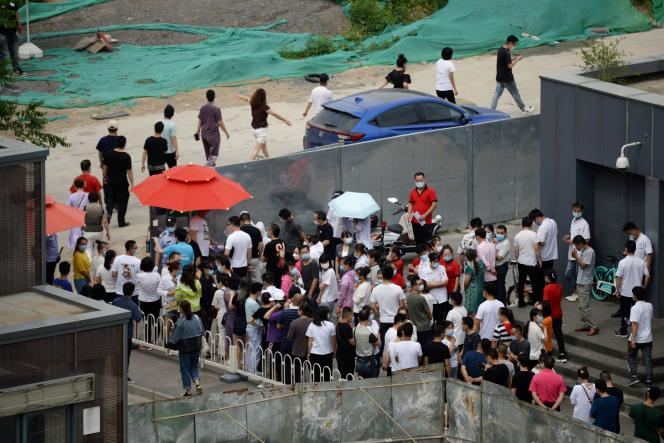 Queue à Pékin pour entrer sur un site de dépistage du Covid-19, le 17 juin.