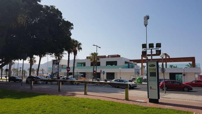 Dans le port de Carthagène, les capteurs de HOPU mesurent la qualité de l'air et la pollution aux microparticules, mais aussi le nombre de passants et le bruit.