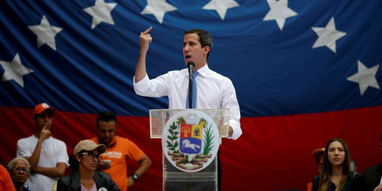 Juan Guaido, reconnu président par intérim à l'international, suscite la désapprobation au Venezuela