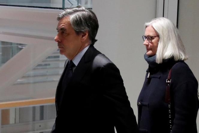 François Fillon et son épouse, Penelope, le 24 février 2020.
