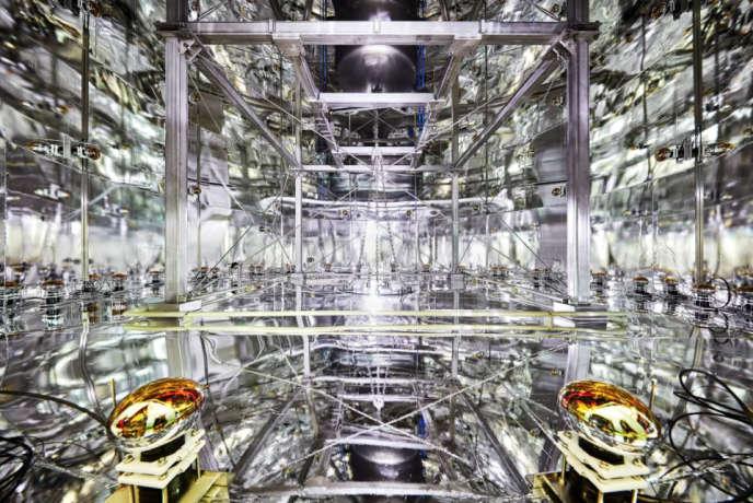 L'intérieur du château d'eau de Xenon1T, qui protège le détecteur contre les rayons cosmiques.
