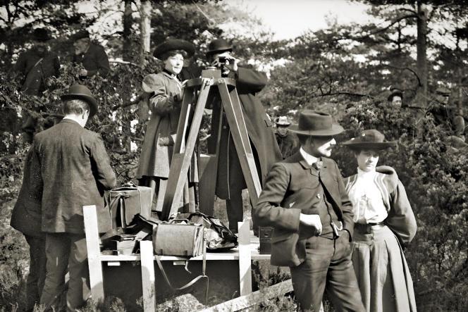 Alice Guy-Blaché (au centre) sur un tournage.