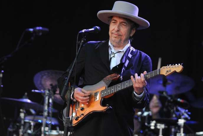 Bob Dylan, le 22 juillet 2012, en concert au festival des Vieilles Charrues, à Carhaix (Finistère).