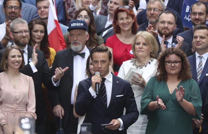 Krzysztof Bosak, le candidat de l'extrême droite polonaise arrivée en quatrième position de la présidentielle, le 20 juin à Varsovie.