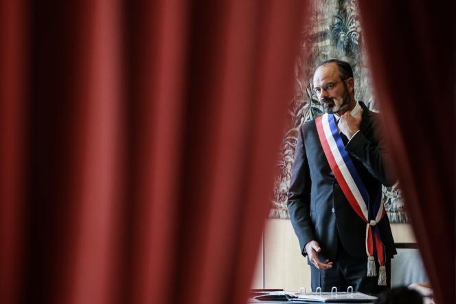 Edouard Philippe célèbre un mariage à la mairie du Havre, le 20 juin.