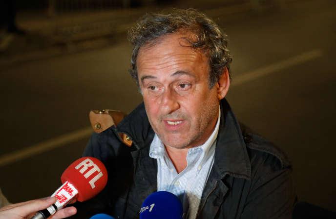 Michel Platini, à sa sortie de l'Office anticorruption de la police judiciaire (OCLCIFF), à Nanterre, le 19 juin 2019.