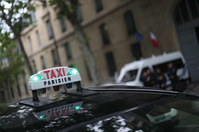 Artisans et sociétés de taxis ont été très vite intégrés dans le plan national de sauvetage du secteur touristique.