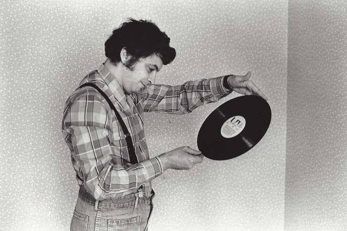 Jean-Patrick Manchette, chez lui, en1981.