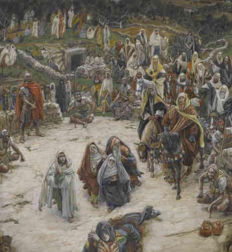 «Vers 1886, l'artiste quinquagénaire abandonne les sujets modernes pour se lancer dans l'illustration des Evangiles. Son ambition est de rétablir la vérité du récit biblique. Pour ce faire, l'artiste voyage par trois fois en Terre sainte, s'y documente et s'imprègne des lieux où il pense retrouver l'authentique témoignage des Ecritures.«La Vie de Notre Seigneur Jésus-Christ», riche de centaines d'illustrations de Tissot, estun best-seller dès sa publication en 1896.«Ce que voyait Notre-Seigneur du haut de la croix»est sans conteste l'une des images les plus frappantes imaginées par l'artiste. Le lecteur, en une forme d'immersion mystique, voit ce que voit le Christ sur la croix: ses propres pieds sanglants, les silhouettes éplorées de Marie-Madeleine, de la Vierge et de saint Jean, ou encore le trou du sépulcre où il sera bientôt enseveli », relate Paul Perrin.