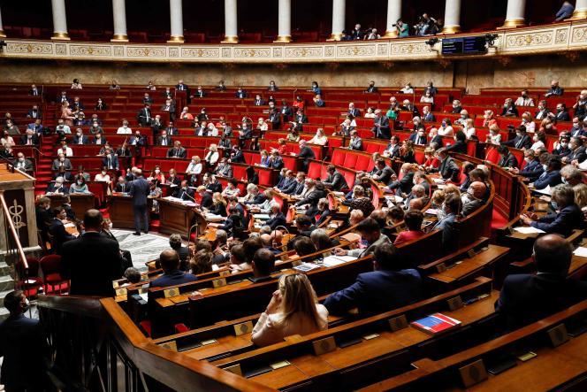 A l'Assemblée nationale, à Paris, le 23 juin.