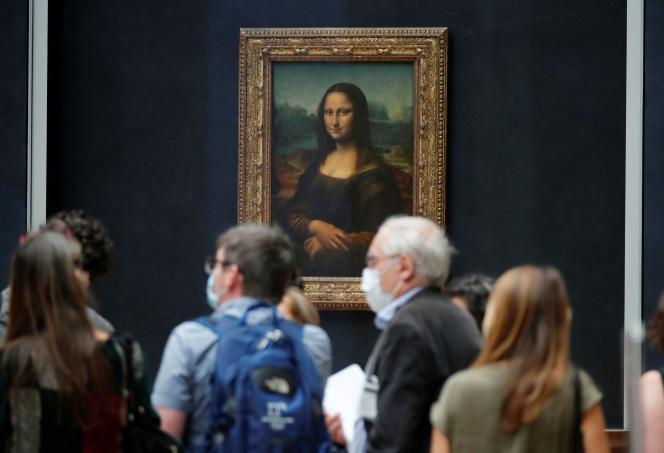Lors d'une visite organisée pour la presse en amont de la réouverture du musée du Louvre, à Paris, le 23 juin.