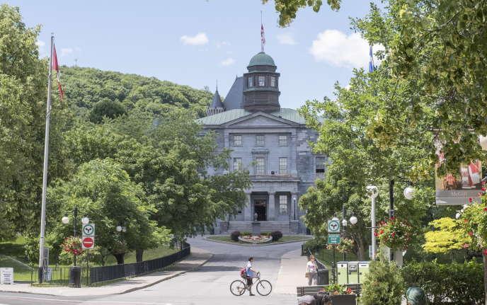 A l'université McGill, à Montréal, les cours du semestre d'automne se tiendront à distance.