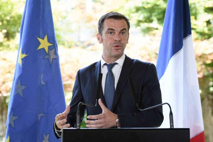 Le ministre de la santé, Olivier Véran, au siège de l'OMS à Genève, en Suisse, le 25 juin.