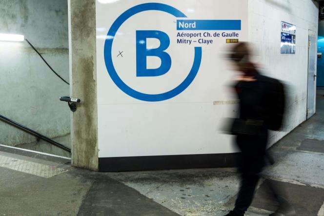 Très fréquentée, la ligneB du RER transporte environ un million de passagers chaque jour.