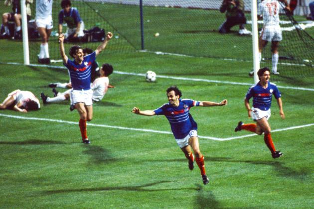 Michel Platini (au centre), le 24 juin 1984, à Marseille.