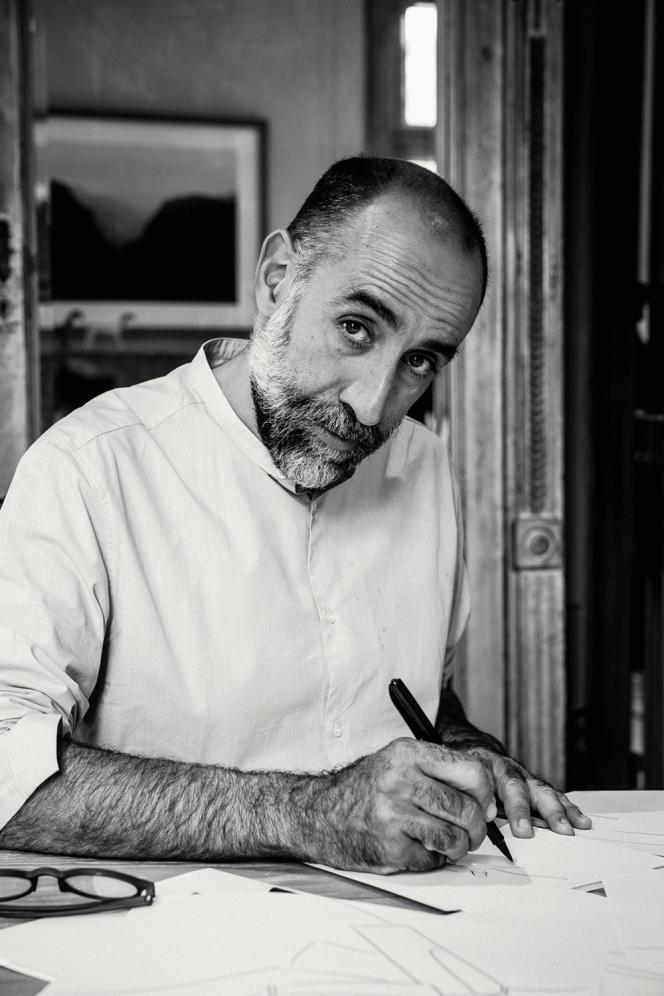 Rabih Kayrouz, le couturier libanais réfugié dans ses créations