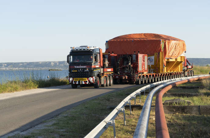 Transport of the superconducting magnet