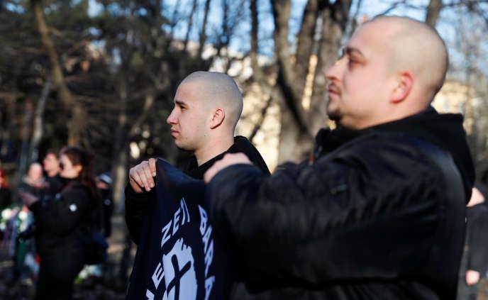 Des néonazis défilent à Budapest, en février.