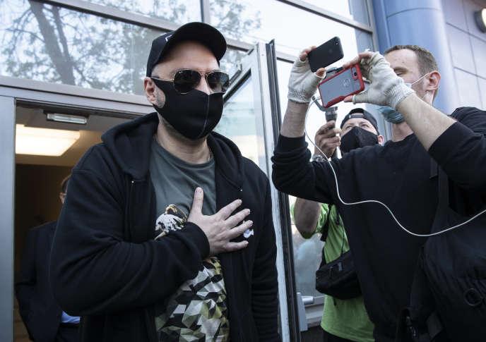 Kirill Serebrennikov à la sortie de son procès devant le tribunal Mechtchanski de Moscou, le 26 juin.