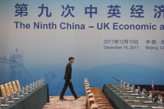 A Pékin, en décembre 2017, durant une réunion de dialogue financier et économique entre le Royaume-Uni et la Chine.