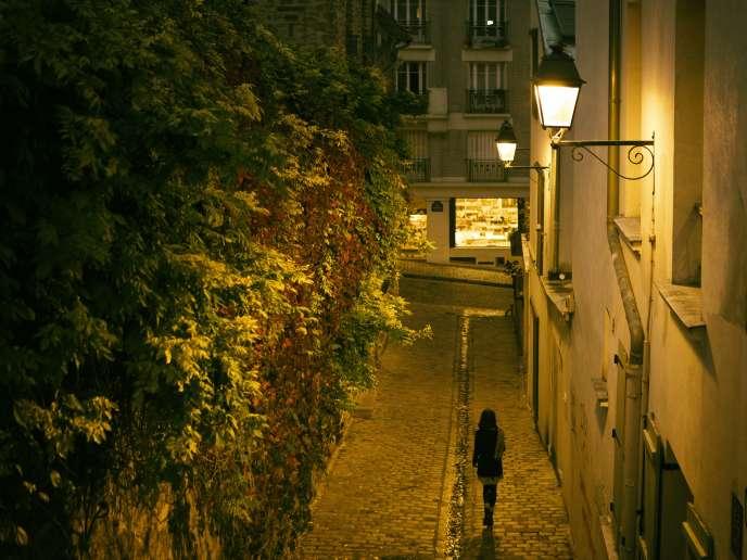 Près de la butte Montmartre les prix aux mètres carré peut dépasser les 12 000 euros.