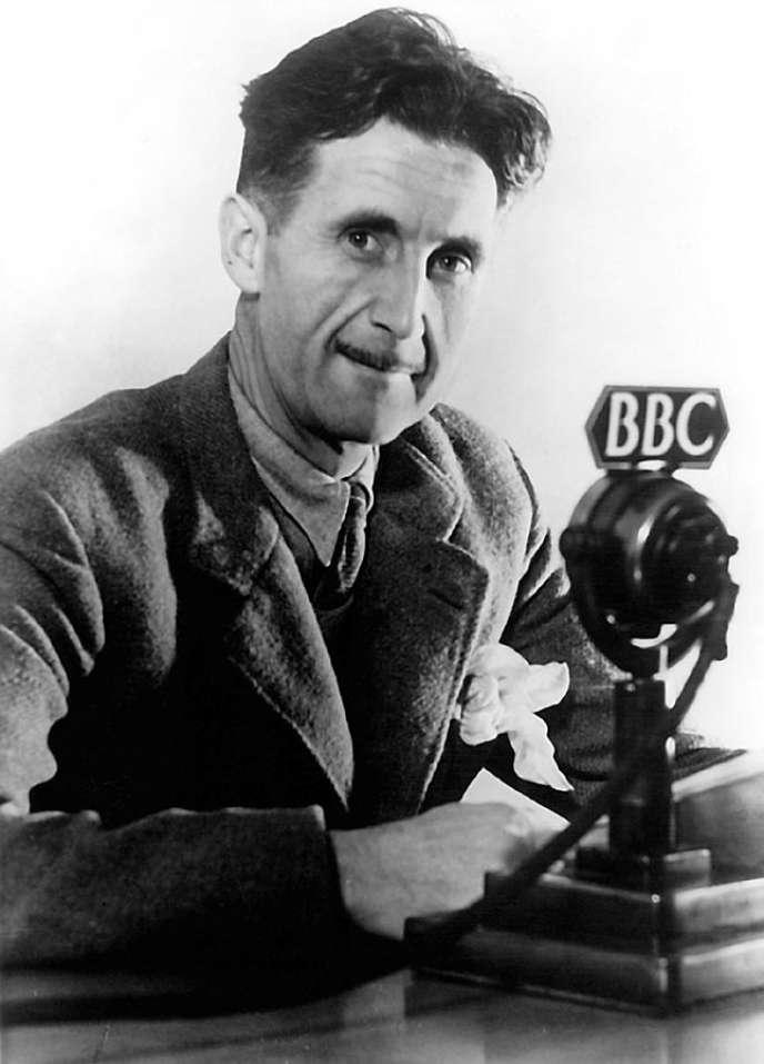 L'écrivain britannique GeorgeOrwell, nom de plume d'Eric Arthur Blair.