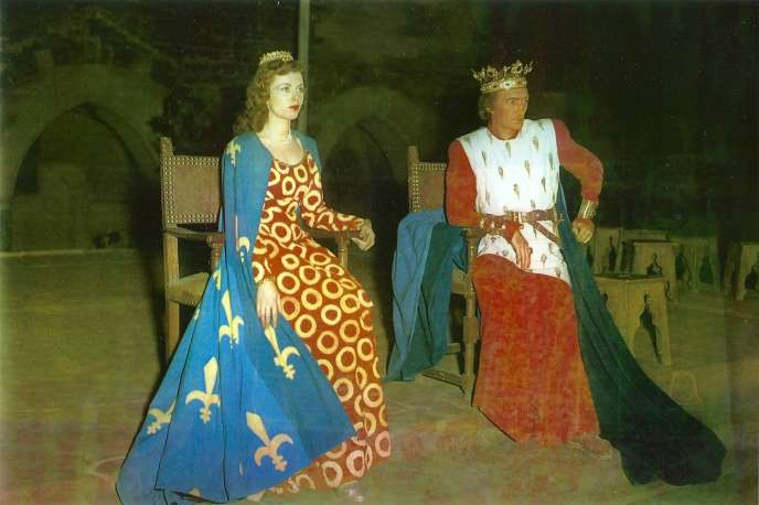 Léone Nogarède et Jean Vilar dans «Richard II», au Palais des papes d'Avignon, en septembre1947.