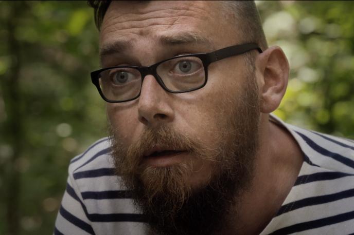 Joseph Ponthus, l'un des employés d'abattoir qui témoigne dans le documentaire d'Anne-Sophie Reinhardt, s'en est sorti par l'écriture («A la ligne», 2019).