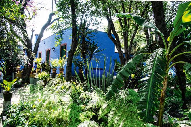 La Casa Azul (maison bleue), ou Musée Frida Kahlo, se situe dans le centre du quartier de Coyoacán, à Mexico.